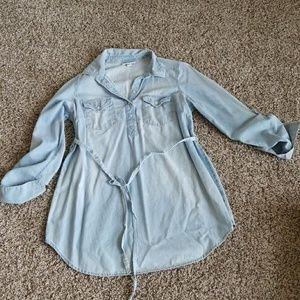 Maternity chambray shirt Liz Lange